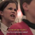 Guerrilla-actie van de Opvoedingslijn: Asociaal kinderkoor zingt kwetsende liedjes in winkelcentrum
